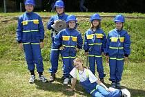 Družstvo mladších žáků obřanských dobrovolných hasičů.