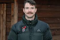 Hokejista Techniky Brno Tomáš Havíř na konci Movemberu.