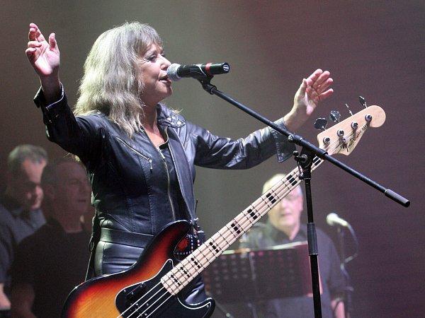 Americká zpěvačka a baskytaristka Suzi Quatro zahrála Brnu.