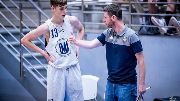 V přátelských zápasech zazářil zejména vnuk legendárního Jana Bobrovského Petr Křivánek. Foto: Basket Brno/ Jan Russnák