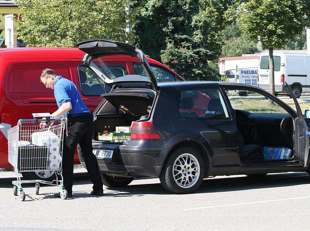 Příležitost pro zloděje se najde u každého supermarketu.