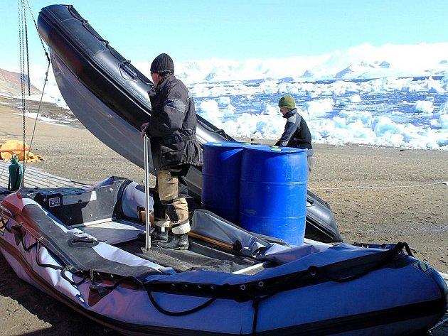 Vědci z brněnské Masarykovy univerzity se vracejí zpátky na Antarktidu.