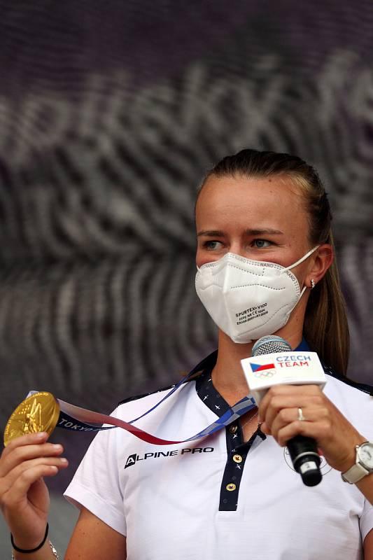 Tenistka Barbora Krejčíková přivezla na olympijský festival zlatou medaili.