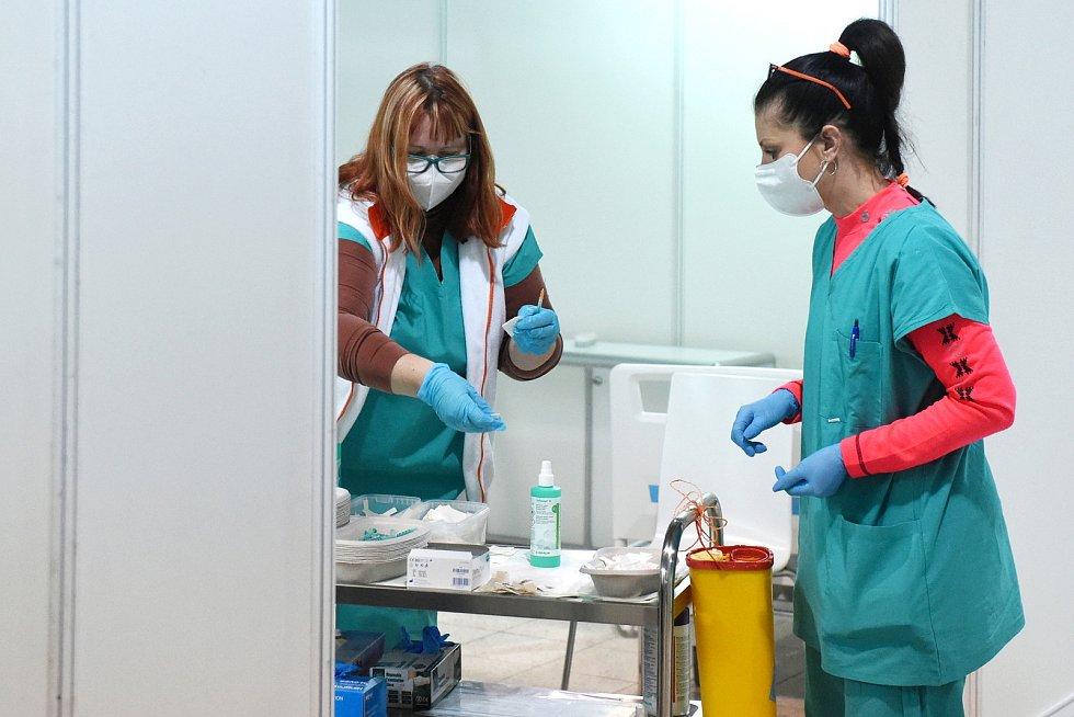 Očkování v záložní nemocnici na BVV. Ilustrační snímek