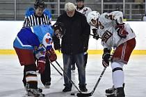 Brněnské hokejové legendy se v utkání roku 2016 střetly v halách Dětí a mládeže za Lužánkami s pětinásobným vítězem BHL HC Falcons Hrušovany.