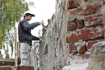 Městské hradby v Ivančicích na Brněnsku opraví majitelka nejpozději do tří let. Zpřístupní je nejen místním a turistům, ale i školám.