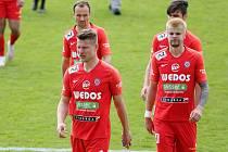 Brněnští fotbalisté (v červeném vpravo Jan Hladík).