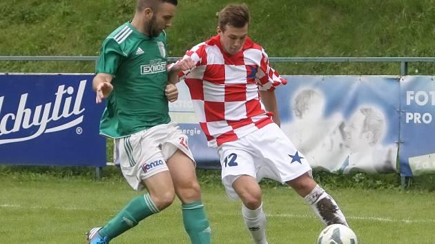 Fotbalista Čeněk Cenek (vpravo).