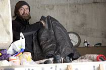 Strážníci se v zimním období vydávají za bezdomovci pravidelně.