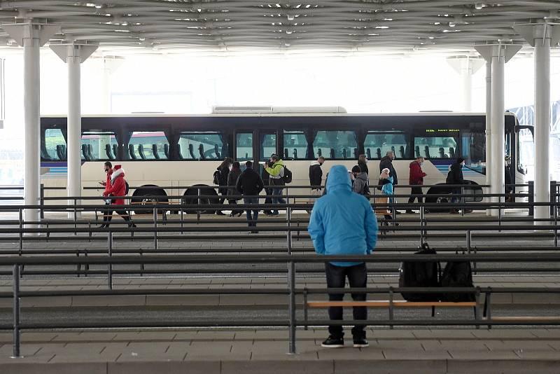 Opravené autobusové nádraží na Zvonařce.