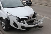 V křižovatce brněnských ulic Koliště a Milady Horákové se střetla dvě auta.