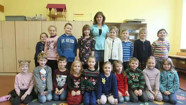 1. třída ze ZŠ Říčany s třídní učitelkou Šárkou Cardovou