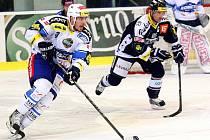 Hokejisté brněnské Komety si zastříleli a doma porazili Vítkovice 5:1.