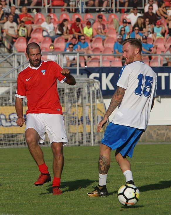 Bývalý profesionální fotbalista Marek Střeštík (vpravo) si zahrál i na rozlučce Luboše Kaloudy, se kterým se nyní setkal i v Bohunicích.