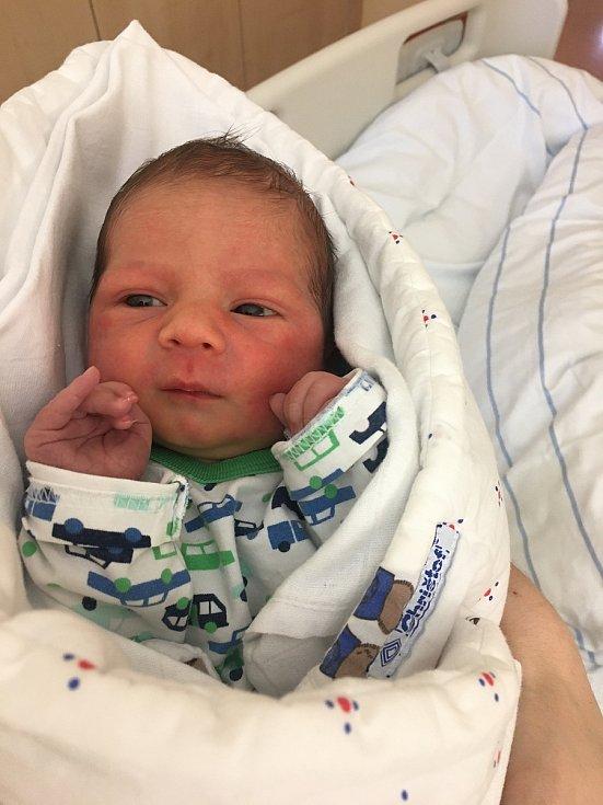 Adam Čanbal, 18. prosince 2020, Bzenec, Nemocnice Kyjov, 3100 g, 49 cm
