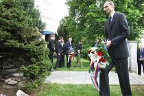 Uctění památky obětí druhé světové války.