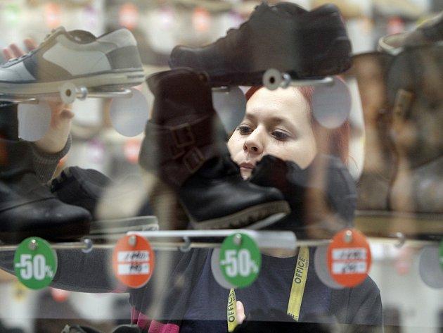 Po Vánocích se lidé vydali do obchodů utratit peníze 60a44b44e4