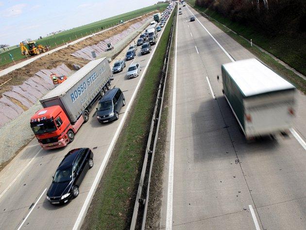 Kolony na dálnici D1.