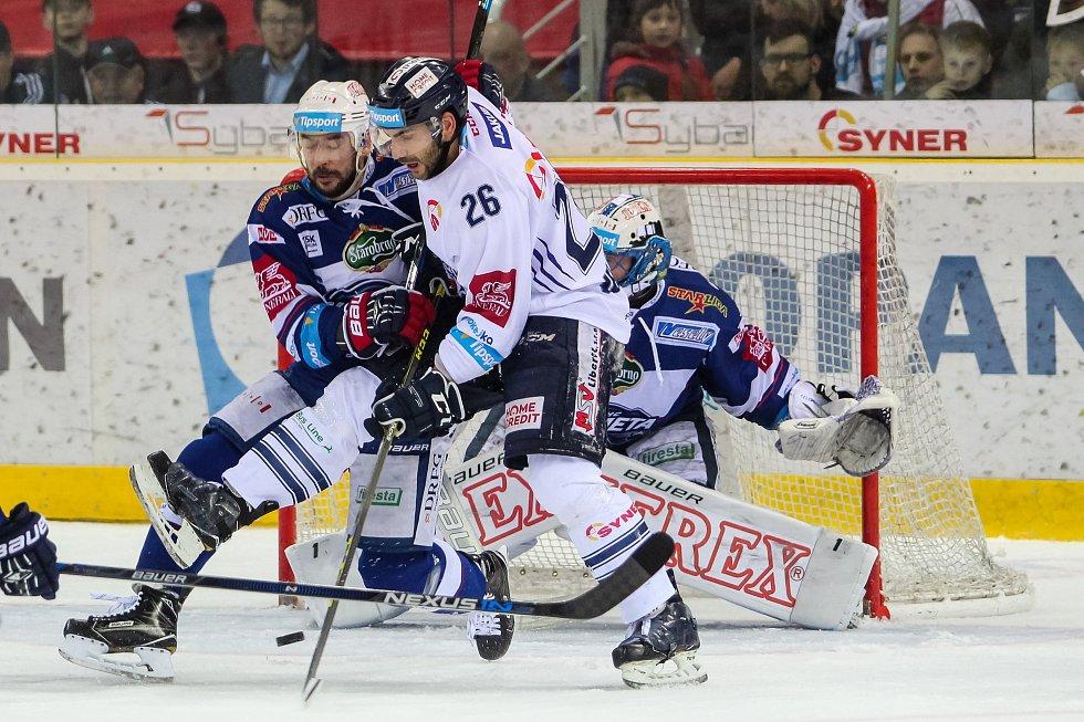 Utkání 50. kola Tipsport extraligy ledního hokeje se odehrálo 26. února 2017 v liberecké Home Credit areně. Utkaly se celky Bílí Tygři Liberec a HC Kometa Brno. Na snímku vpravo Petr Jelínek.