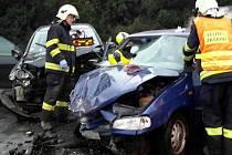 Čtyři zraněné si vyžádala páteční ranní nehoda na silnici 385 u Tišnova na Brněnsku.