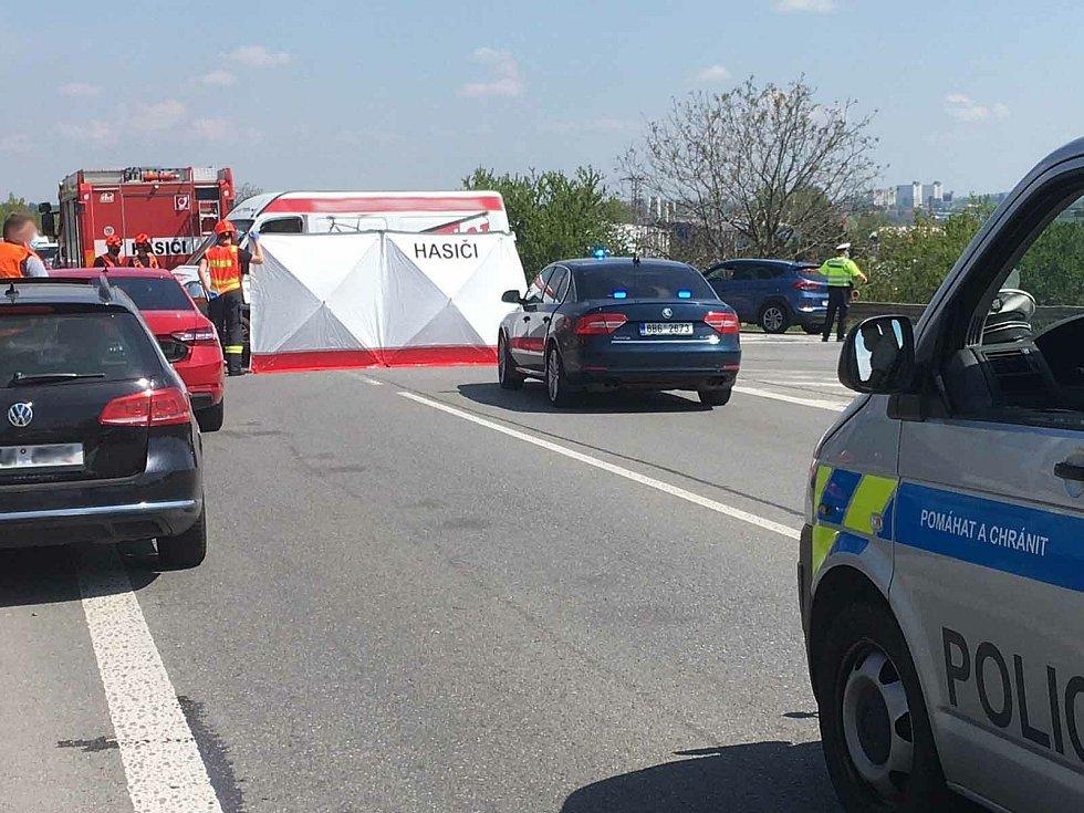 Dopravní nehoda na dálnici D52, ilustrační foto