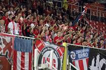 Fanoušci fotbalové Zbrojovky.
