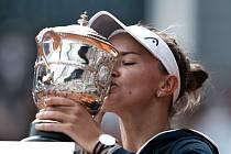 Barbora Krejčíková se stala po Haně Mandlíkové druhou českou tenistkou, která vyhrála French Open.