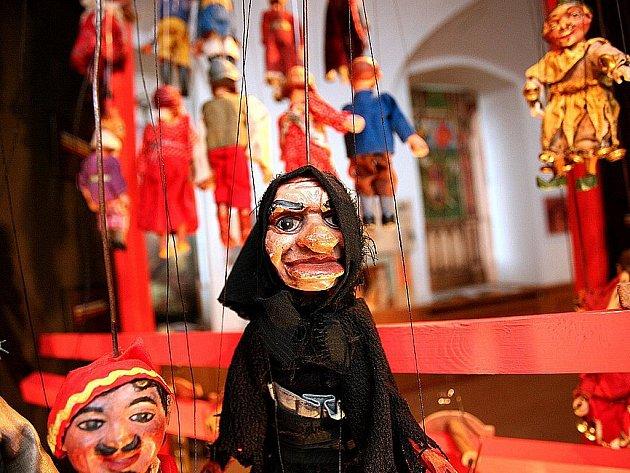 Výstava Moravského zemského muzea v Brně nazvaná Rodinná loutková divadélka