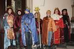 Biskup brněnský Vojtěch Cikrle požehnal tříkrálovým koledníkům.