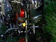 Nočním brnem prošel žhář. Zapaloval kontejnery a popelnice, poničil i motorku.