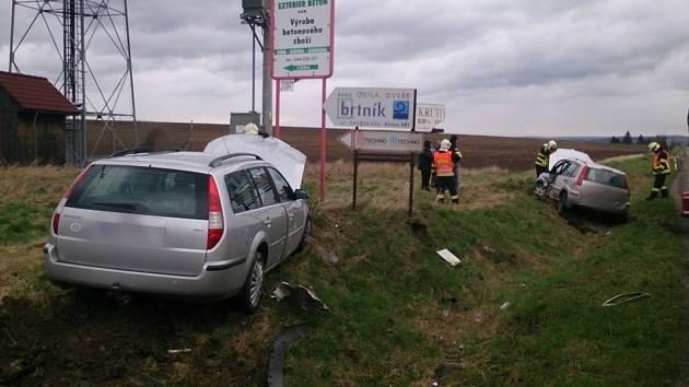 Čtvrteční dopravní nehoda mezi obcemi Pozořice a Holubice u křižovatky s rychlostní silnicí z Brna do Vyškova.