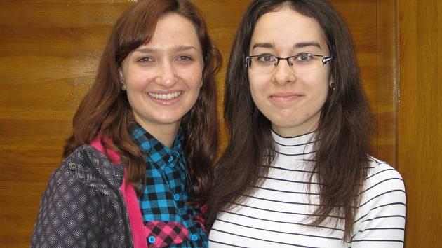 Studentky Anita Weidenhöferová a Veronika Pelcová z brněnského gymnázia v Elgartově ulici.