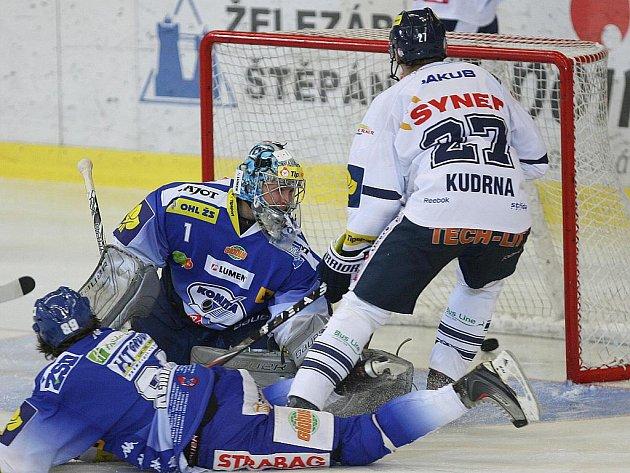 Hokejisté brněnské Komety v utkání s Libercem.