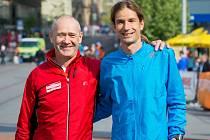 Ředitel Brněnského půlmaratonu Aleš čtvrtníček (vlevo) s nejlepším českým ultramaratoncem Danielem Orálkem.