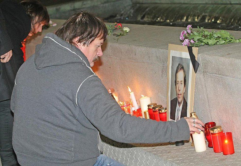Lidé uctili v Brně památku zesnulého Václava Havla.