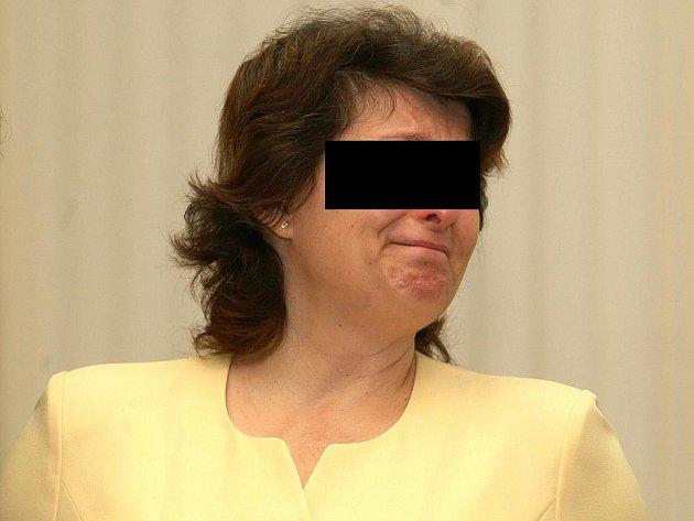 Žena, která napadla otce sekerou, před brněnským soudem.