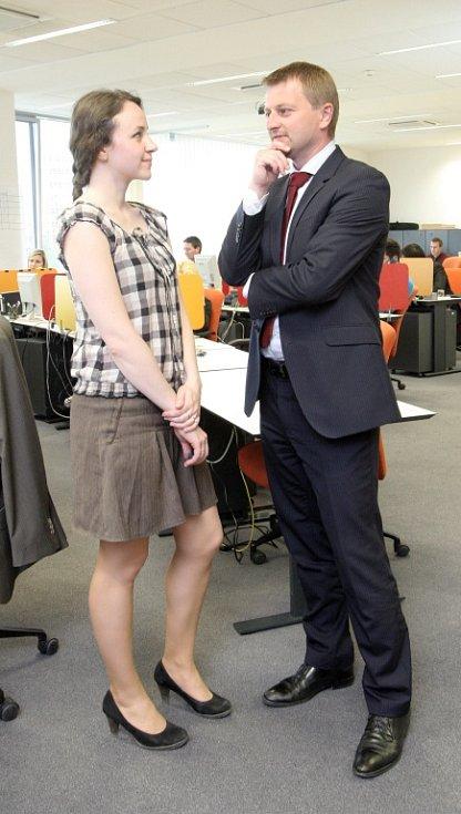 Redaktorka Petra Kozlanská si vyzkoušela práci burzovní makléřky.