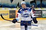 HC Kometa Brno v bílém (Alexandre Mallet) proti HC Vítkovice.
