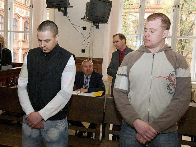 Zdeněk Dočkal a Jan Klváček u brněnského soudu.