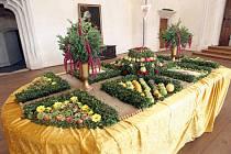 Obklopit se květy a plody podzimu mohou návštěvníci hradu Pernštejn na Brněnsku. V sobotu odpoledne tam byl zahájený třináctý ročník výstavy Podzim na Pernštejně.