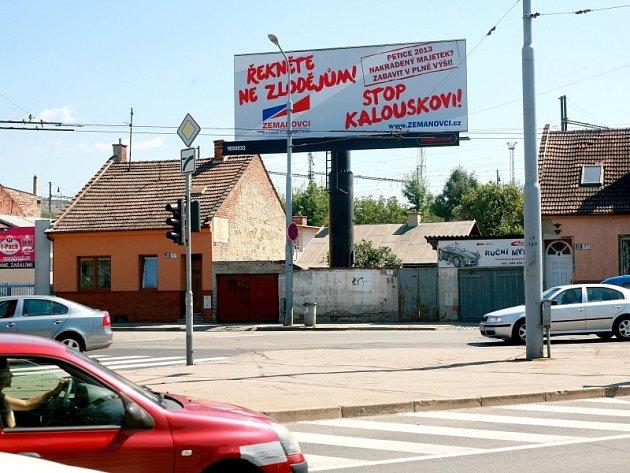 Volební billboardy politických stran.