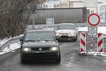 Někteří řidiči si zkracují cestu přes zákaz.