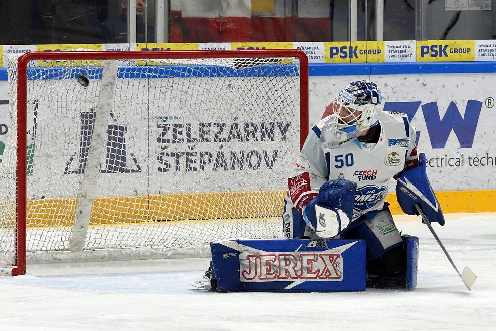 Domácí HC Kometa Brno (Karel Vejmelka) v bílém proti HC Vítkovice Ridera