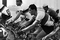Pavel Doležel se šestkrát zúčastnil Závodu míru (vpředu při etapě z Toruně do Poznaně v roce 1963).