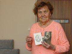 Eliška Kolečkářová vzpomíná na dobu, kdy jí bylo teprve osmnáct let. Komunisti její rodině v roce 1951 vzali statek na Hodonínsku. Jejího otce Metoděje Hlobílka letos na konci března hodonínský okresní soud rehabilitoval.