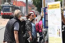 Minulý týden na Minské a Horově ulici v Žabovřeskách vystupovaly každé ráno z tramvají stovky žáků základních a středních škol v okolí. Teď ulice zejí prázdnotou. Na rok je uzavřela rekonstrukce.