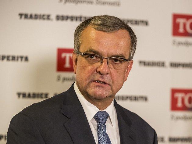 """Předseda strany TOP 09 Miroslav Kalousek o dopisu neví. """"Nic takového nedorazilo,"""" vzkázal. Na dopisu je uvedené středeční datum. Je možné, že do Prahy ještě nepřišel."""