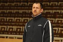 Trenér basketbalistek Valosunu Brno Tomáš Veselý.