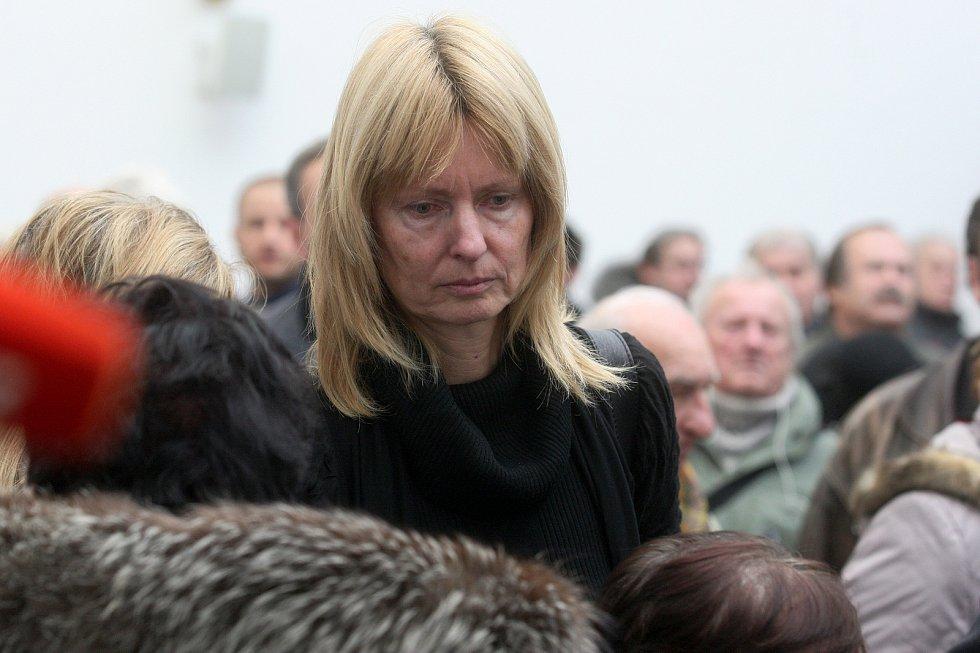Pohřeb tenistky Jany Novotné na Ústředním hřbitově v Brně. Na snímku Helena Suková.