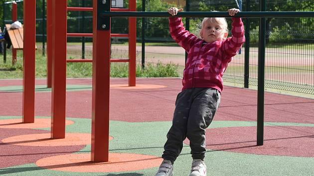 Zacvičí si mladí i staří. Na novém venkovním cvičišti na sídlišti Vinohrady